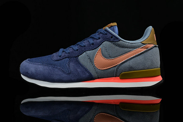 running nike internationalist mid qs bleu legendaire